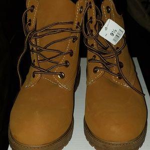Women's Bongo Hiking Boots